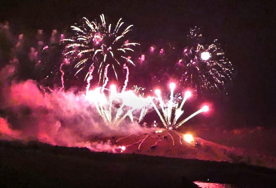 La fête du volcan de Santorin