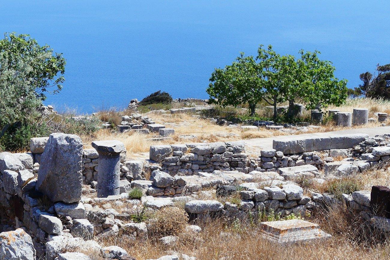 Visitez l'ancient Thira