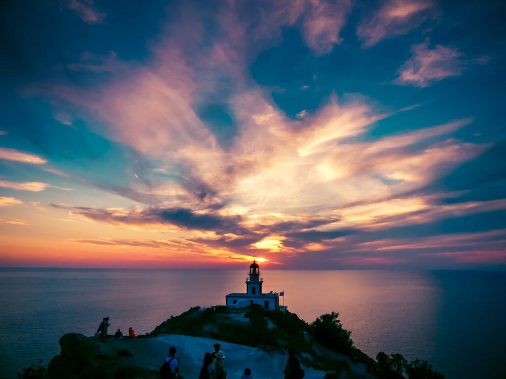 Coucher de soleil au phare d'Akrotiri
